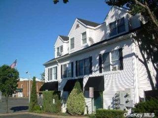 2 BR,  1.00 BTH Apt in bldg style home in Port Jefferson