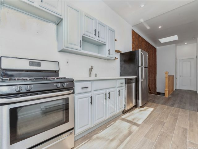 2 BR,  1.00 BTH Colonial style home in Bushwick