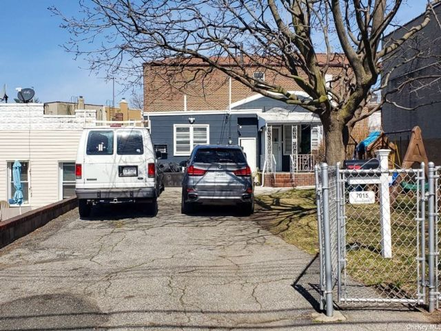 1 BR,  1.00 BTH Other style home in East Elmhurst