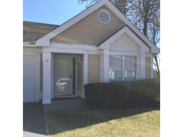 2 BR,  2.00 BTH Townhouse style home in Ridge
