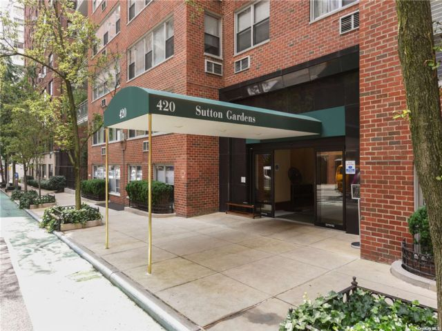 2 BR,  1.00 BTH  High rise style home in NYC - Fifth Avenue