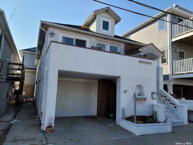3 BR,  1.00 BTH 2 story style home in E Atlantic Beach