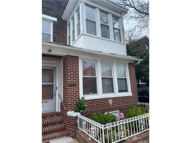 3 BR,  1.00 BTH Apt in house style home in Ozone Park