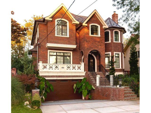 4 BR,  5.00 BTH Contemporary style home in Malba