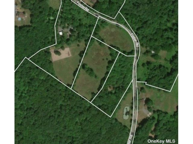 Lot <b>Size:</b> 9.3 Acres Land style home in Middletown