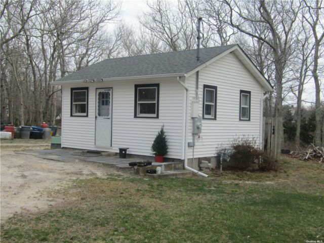 2 BR,  1.00 BTH  Cottage style home in Hampton Bays