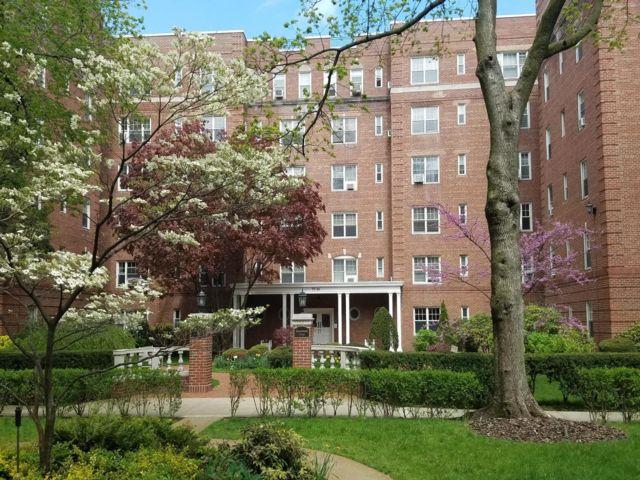 [Forest Hills Real Estate, listing number 3180892]