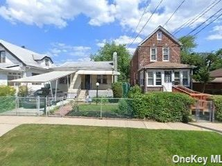 2 BR,  1.00 BTH Bungalow style home in Springfield Gardens