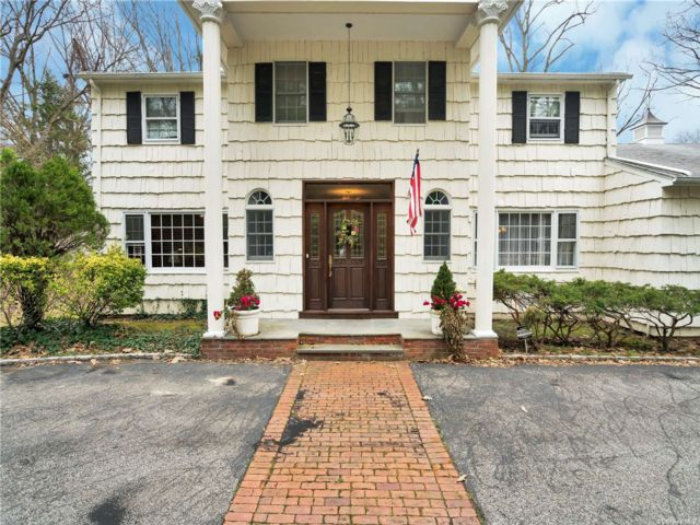 [Oyster Bay Real Estate, listing number 3180928]