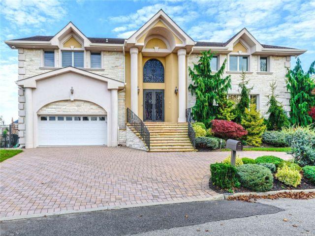 [Merrick Real Estate, listing number 3180933]