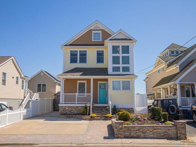 [Lindenhurst Real Estate, listing number 3181053]