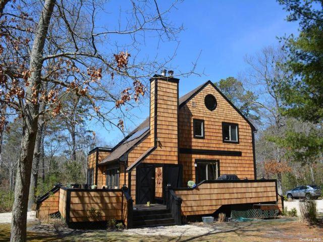 4 BR,  2.00 BTH Contemporary style home in Flanders