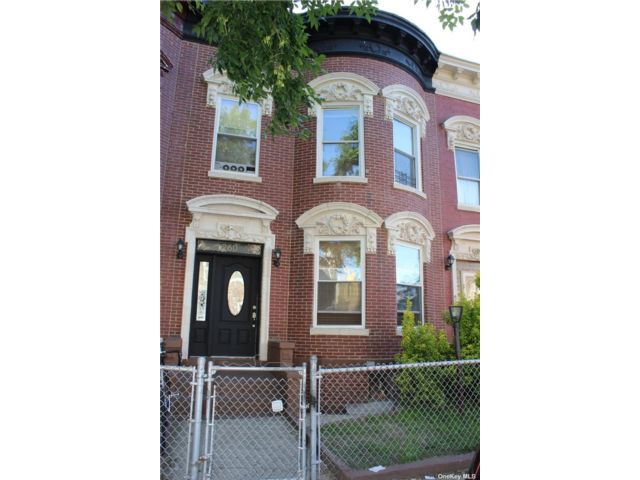 2 BR,  1.00 BTH Apt in house style home in Flatbush