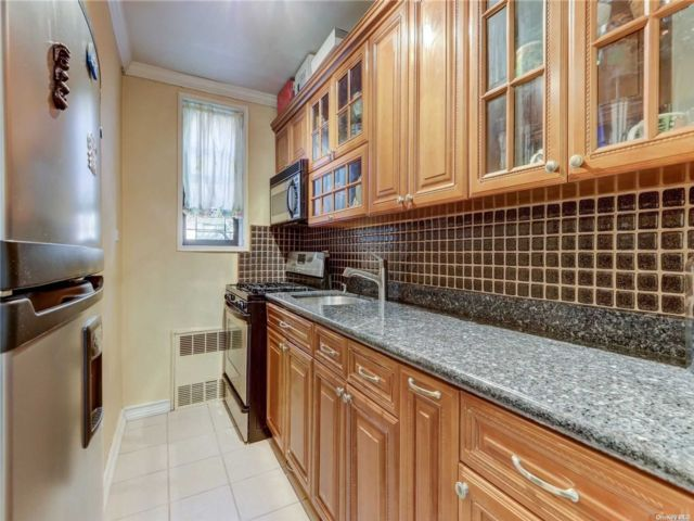 1 BR,  1.00 BTH High rise style home in Briarwood