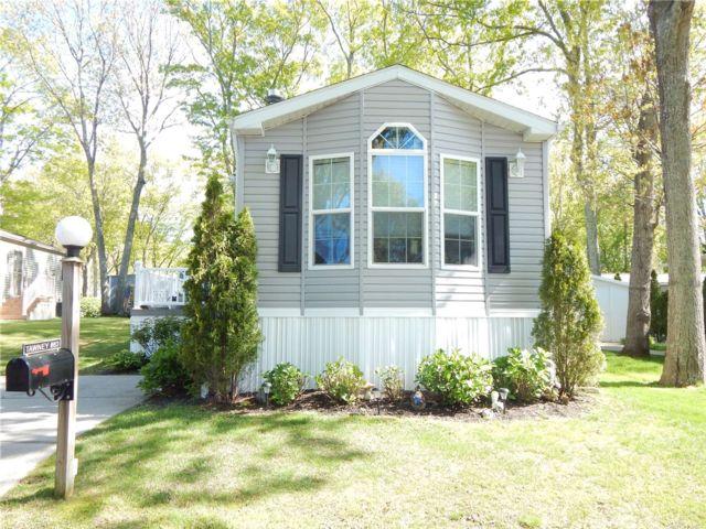 [Riverhead Real Estate, listing number 3181329]