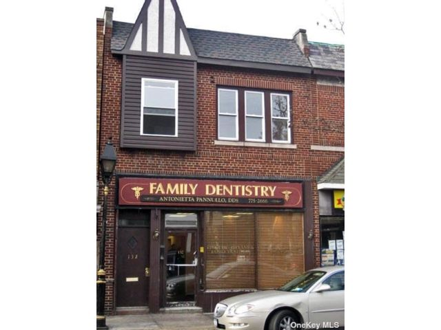 2 BR,  1.00 BTH Apt in bldg style home in Floral Park