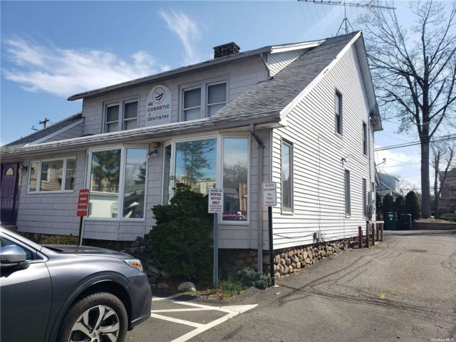 Studio,  0.00 BTH  Commercial style home in Clarkstown