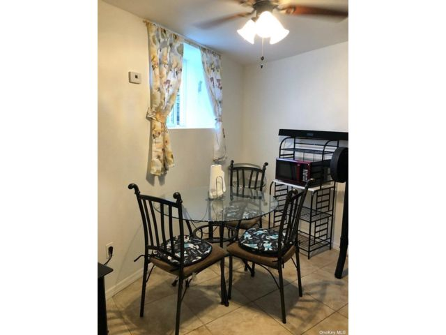 1 BR,  1.00 BTH Apt in house style home in Springfield Gardens