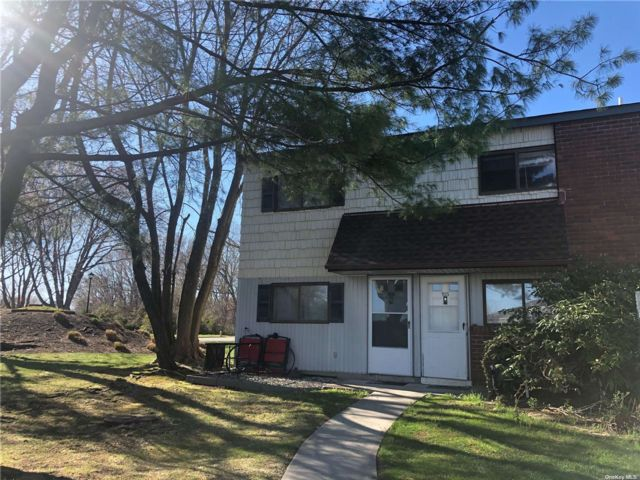 2 BR,  2.00 BTH Other style home in Coram