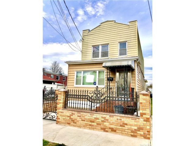 3 BR,  1.00 BTH  Apt in house style home in South Ozone Park
