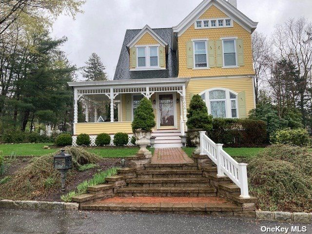 3 BR,  3.00 BTH  Victorian style home in Port Jefferson