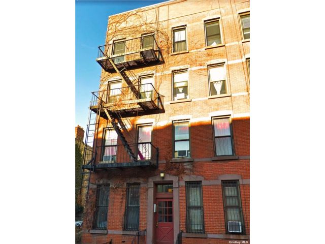 3 BR,  1.00 BTH  Apt in bldg style home in Boerum Hill