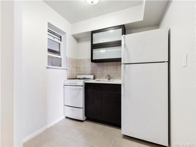 2 BR,  1.00 BTH Mid rise style home in NYC - Gramercy Park