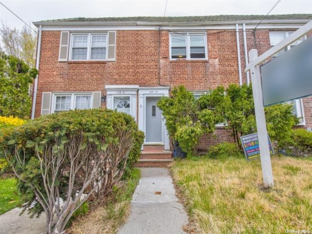 2 BR,  1.00 BTH Townhouse style home in Whitestone