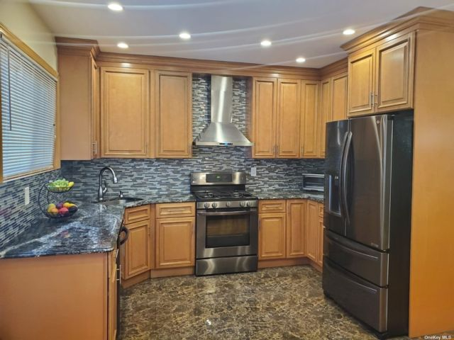 3 BR,  3.00 BTH Townhouse style home in Briarwood
