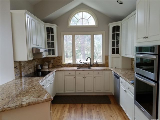 5 BR,  4.00 BTH Farm ranch style home in Northport