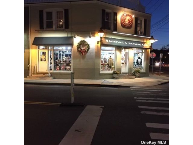 Studio,  0.00 BTH  Commercial style home in Port Jefferson