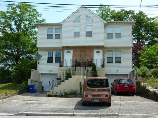 6 BR,  6.00 BTH Duplex style home in Glen Cove