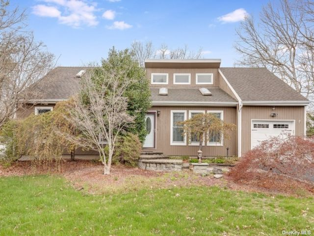 3 BR,  2.00 BTH Exp ranch style home in Port Jefferson Station