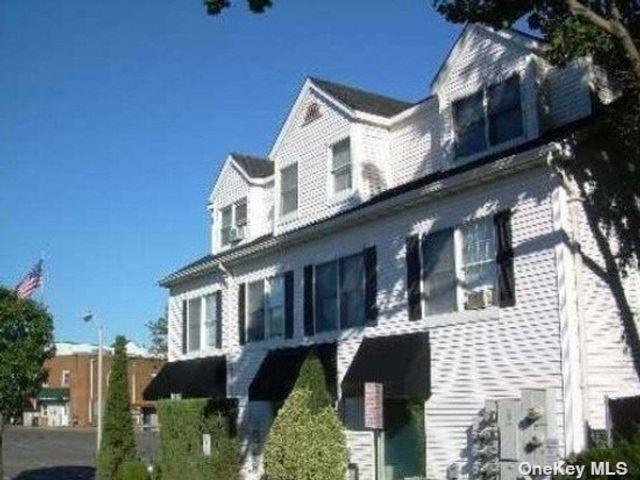 1 BR,  1.00 BTH Apt in bldg style home in Port Jefferson Village