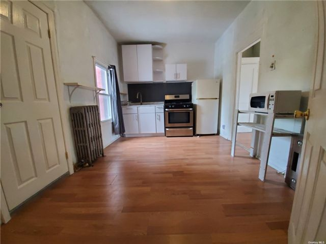 1 BR,  1.00 BTH 2 story style home in Bed-stuy