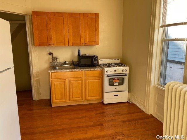 [Astoria Real Estate, listing number 3183057]