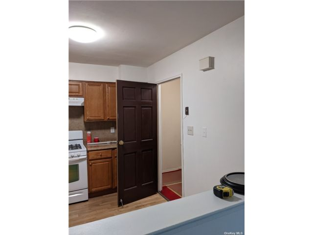 3 BR,  1.00 BTH Multi family style home in Flushing