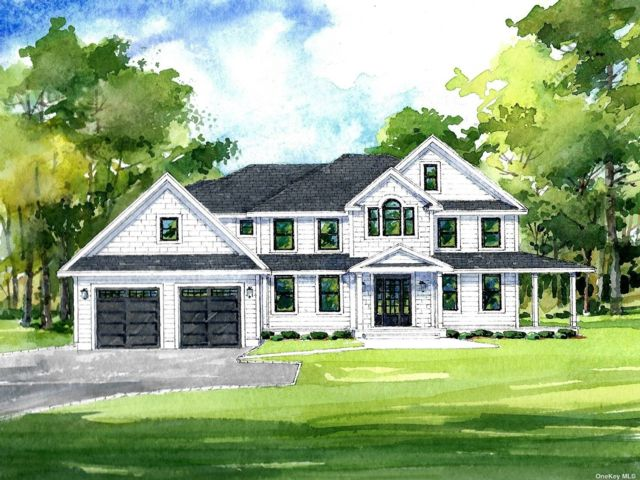 4 BR,  4.00 BTH Colonial style home in Lloyd Harbor