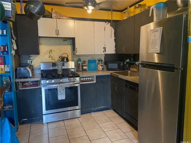 2 BR,  2.00 BTH  Mid rise style home in Ridgewood
