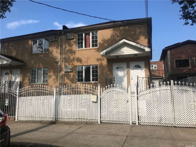 3 BR,  2.00 BTH  2 story style home in East Elmhurst