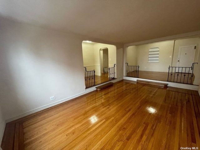 2 BR,  2.00 BTH  Apt in bldg style home in Rego Park