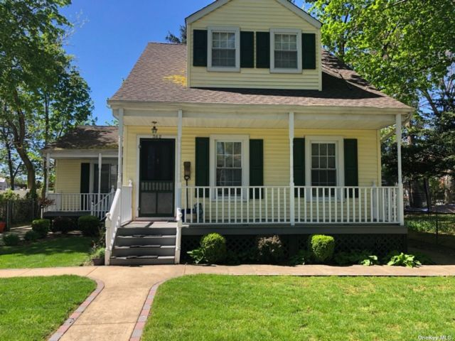 1 BR,  1.00 BTH Colonial style home in West Hempstead