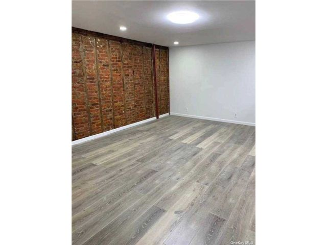 3 BR,  1.00 BTH Apt in house style home in East New York
