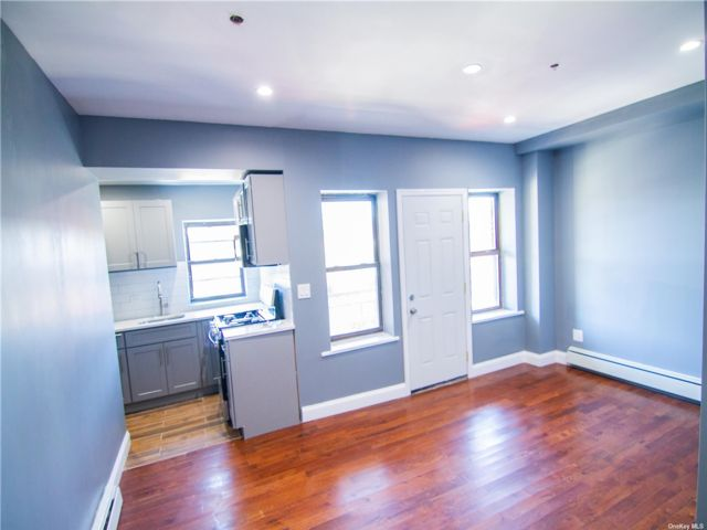 1 BR,  1.00 BTH Apt in house style home in East New York