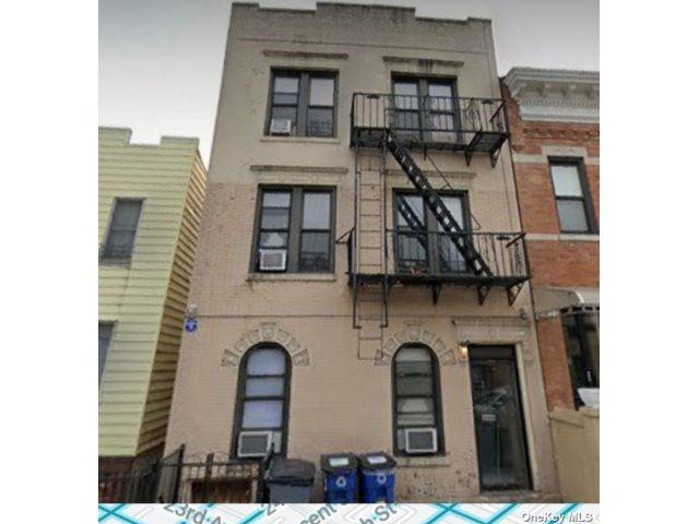 12 BR,  7.00 BTH Semi detached style home in Astoria