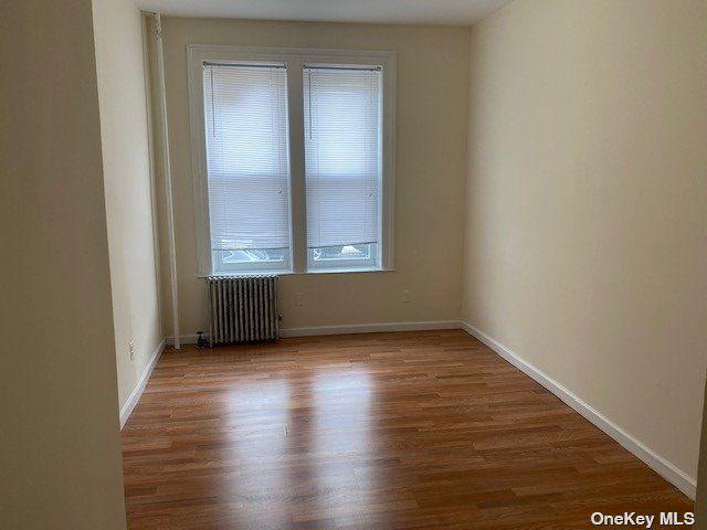 2 BR,  1.00 BTH Apt in bldg style home in Astoria