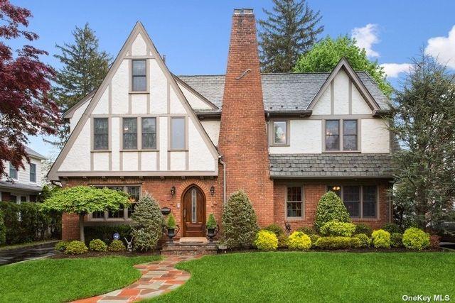 4 BR,  3.00 BTH Tudor style home in Garden City