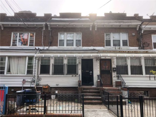 3 BR,  2.00 BTH Colonial style home in Elmhurst