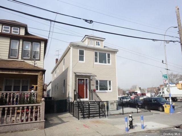 Studio,  3.00 BTH Contemporary style home in Woodside