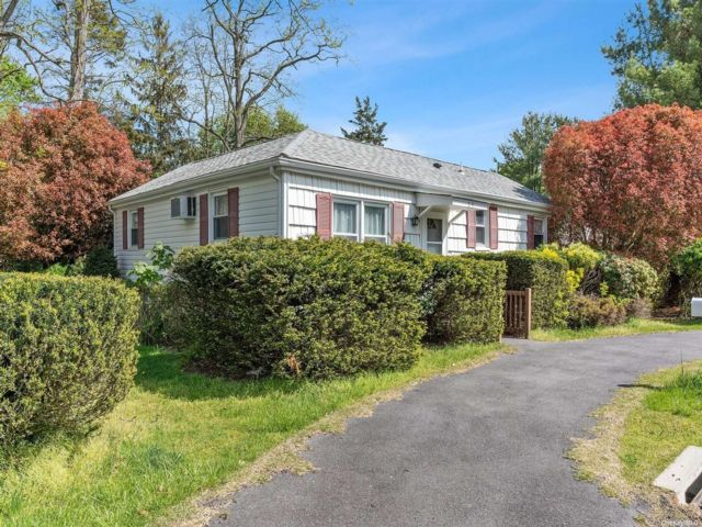 3 BR,  2.00 BTH Ranch style home in Rocky Point